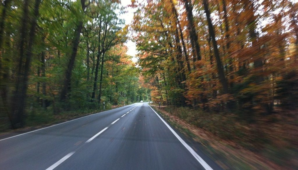 road-253653_1280