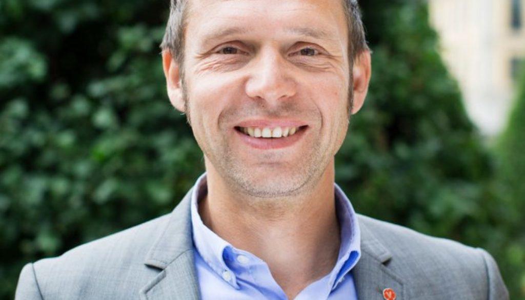 Jens-Holm-700x700
